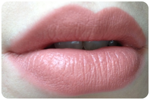 MAC Cremesheen in Naked Proof