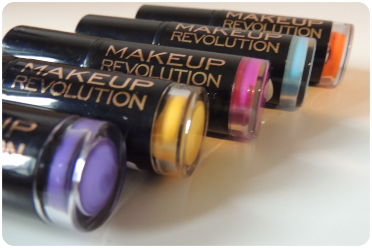 Makeup Revolution - Scandalous Lipstick Collection